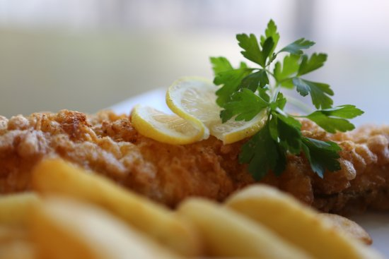 The Mulberry Tree Restaurant: Fresh fish and chips.