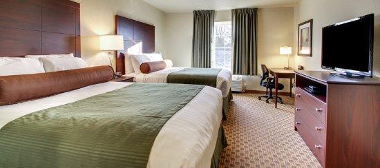Orrville, OH: Two Queen Guestroom