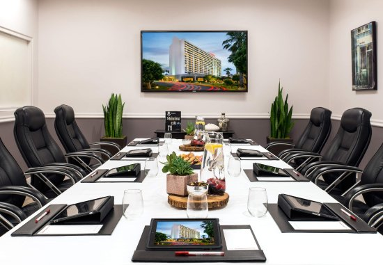 Torrance Marriott Redondo Beach: Hideaway Meeting Room