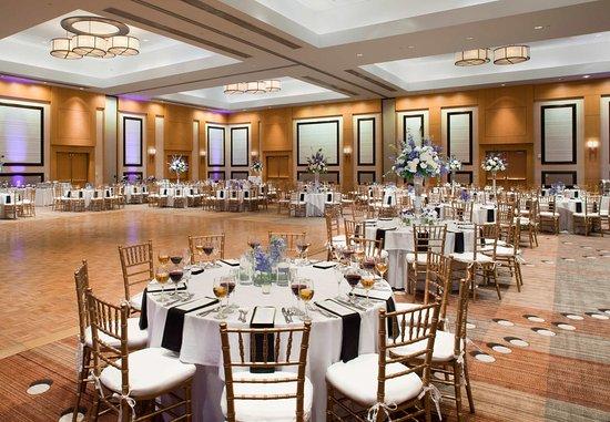 Sawgrass Marriott Golf Resort & Spa: Champions Ballroom   Wedding Setup