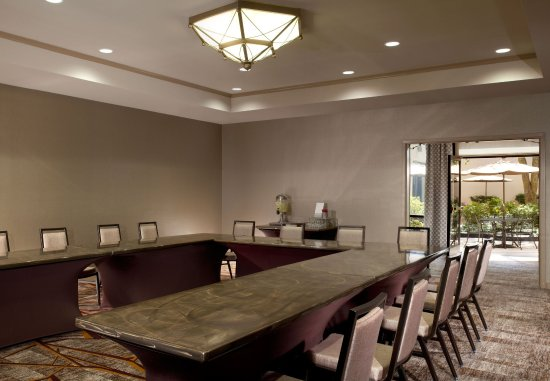 Marriott at Research Triangle Park: Meeting Room   U-Shape Setup