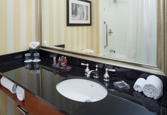 Southfield, MI: Guest Bathroom
