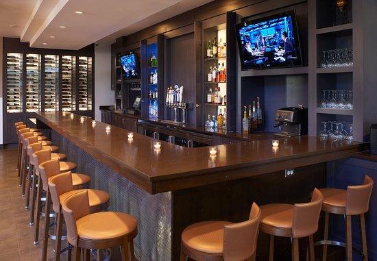 Southfield, MI: Fire Iron Grill & Bar