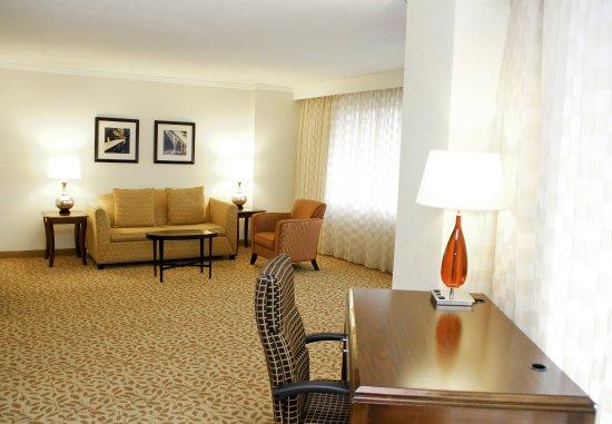 Bethesda, MD: Executive Suite Living Area