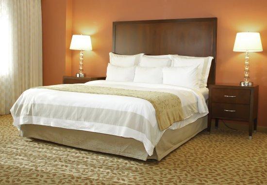 Bethesda, MD: Executive Suite Sleeping Area
