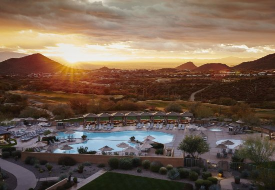 JW Marriott Tucson Starr Pass Resort & Spa: Sunrise At The Resort