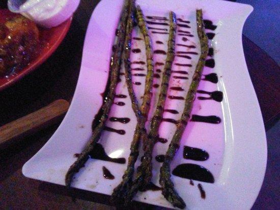 Caseyville, IL : Huddle Bar & Grill