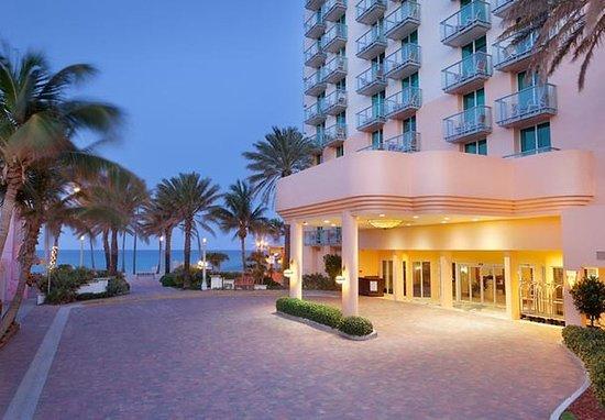 Hollywood Beach Marriott: Entrance