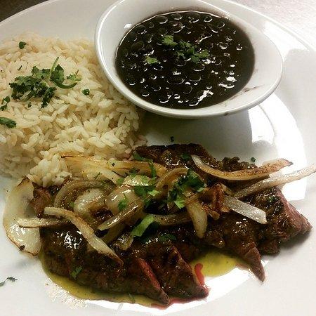 Нью-Брансуик, Нью-Джерси: Carne with rice and beans