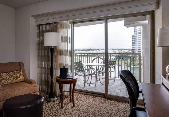 Ίρβινγκ, Τέξας: Balcony with Lake View