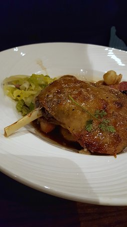 Edenbridge, UK: The delicious duck leg
