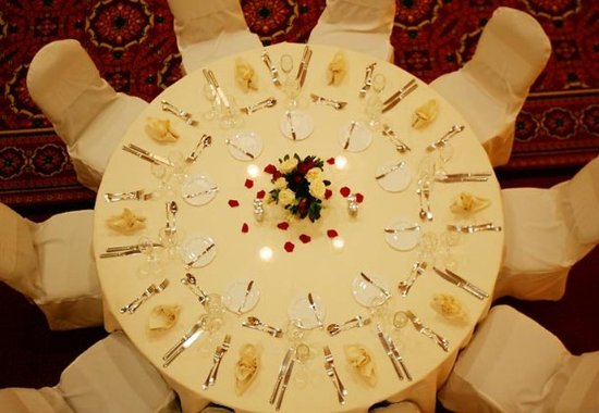 Groton, CT: Wedding Table Setting