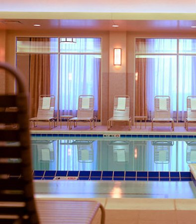Pewaukee, WI: Indoor Pool