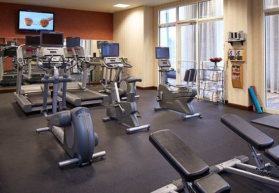 Pewaukee, Висконсин: Fitness Center