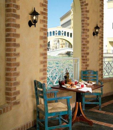 Marriott Executive Apartments Dubai, Green Community : Cucina Restaurant