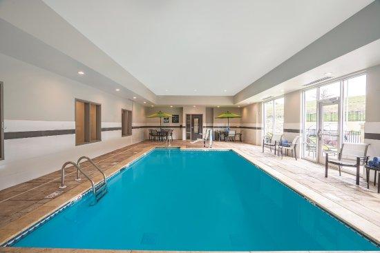 La Quinta Inn Suites Cleveland