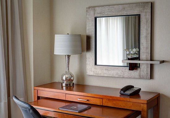 The Woodlands, TX: Guest Room Work Desk