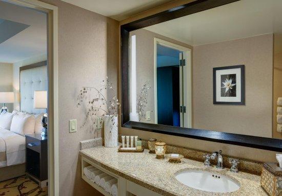 The Woodlands, TX: One-Bedroom Junior Suite Bathroom