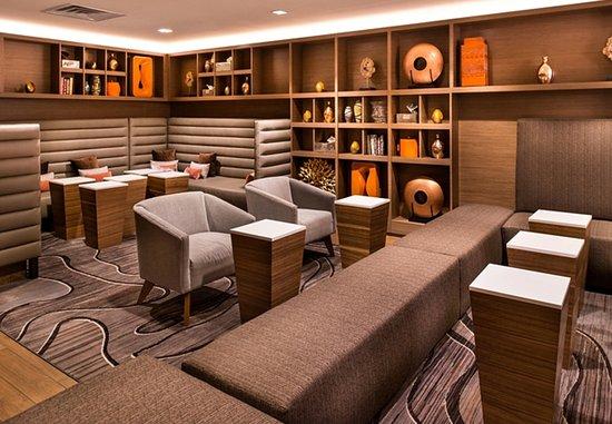เมลวิลล์, นิวยอร์ก: Greatroom Lounge - Library