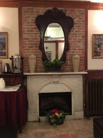 Da Vinci Hotel: Lobby and breakfast