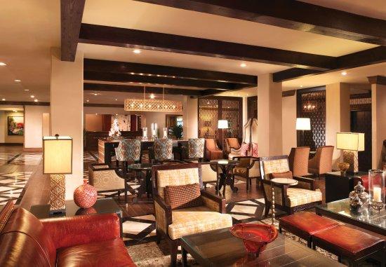 Marriott Plaza San Antonio: Lobby & Front Desk