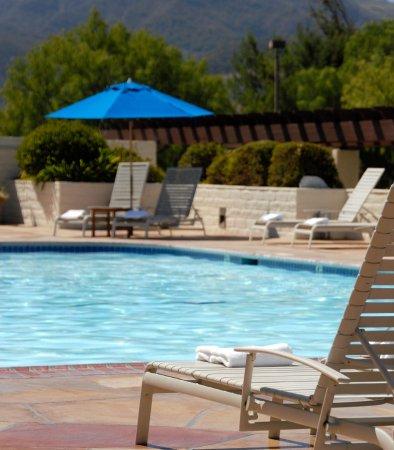 บูเอลล์ตัน, แคลิฟอร์เนีย: Outdoor Pool