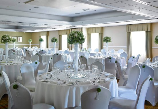 Bearsted, UK: Thurnham Suite   Wedding Setup