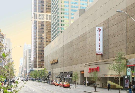 Toronto Marriott Bloor Yorkville Hotel: Exterior