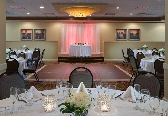 Madison Marriott West: Wedding Details