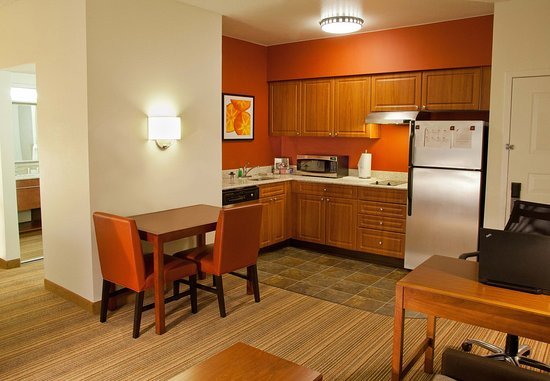 Redmond, WA: Studio Suite Kitchen