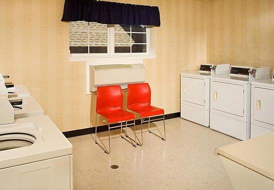 Rocky Mount, Carolina del Norte: Guest Laundry Facility