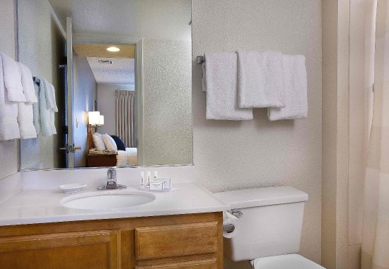 Lake Oswego, OR: Guest Bathroom