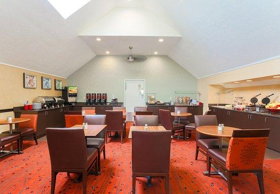 Sharonville, OH: Breakfast Room