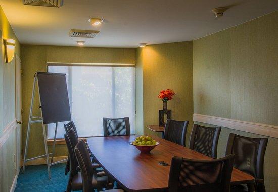 Residence Inn Herndon Reston : Boardroom