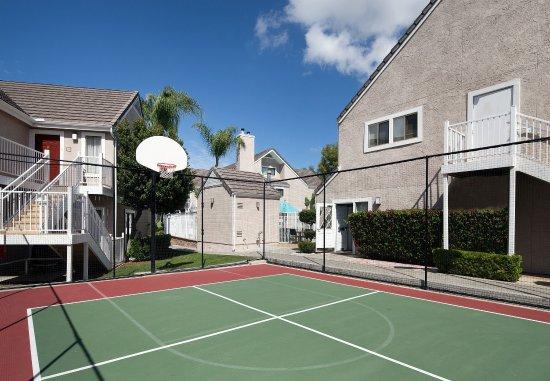 Residence Inn Irvine Spectrum: Sport Court®