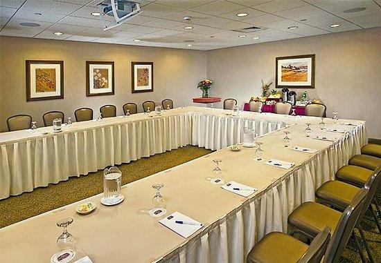 Plainview, NY: Boardroom