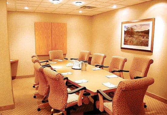 Plainview, NY: Oak Room