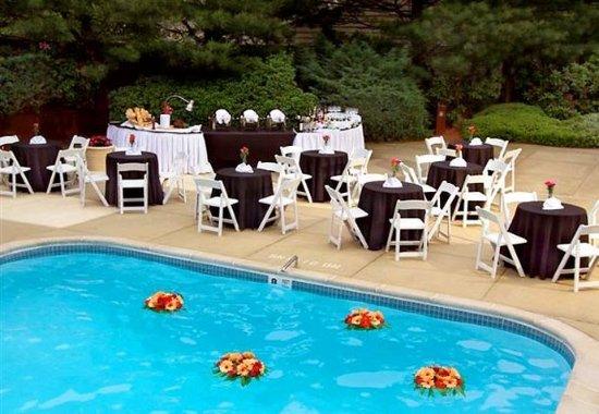 Plainview, NY: Formal Party
