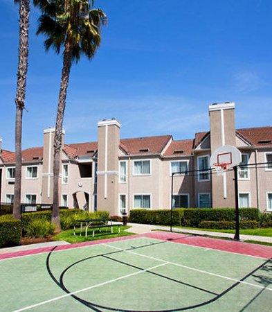 Fountain Valley, CA: Sport Court®