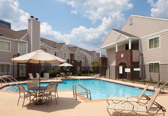 Hapeville, GA: Outdoor Pool