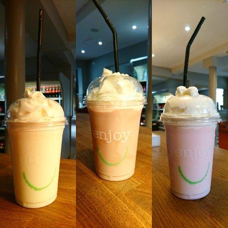 Dukinfield, UK: milkshakes