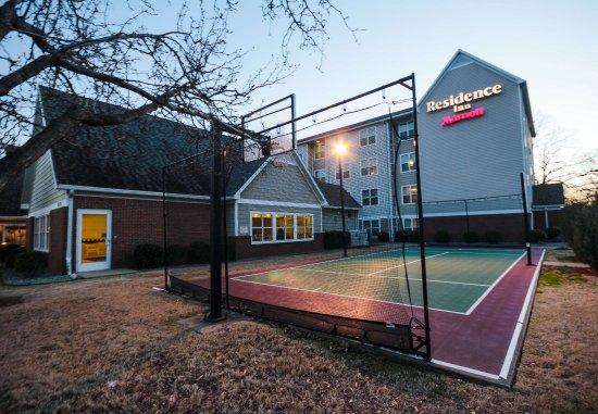 North Little Rock, AR: Sport Court