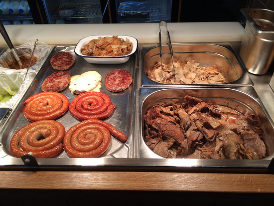 Dukinfield, UK: HOT BEEF AND SAUSAGES