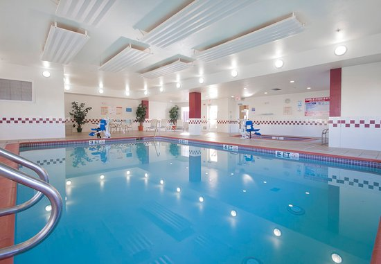 Palmdale, Californië: Indoor Pool & Spa