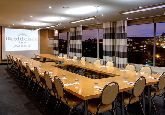 Residence Inn Montreal Westmount: Bordeaux Meeting Room