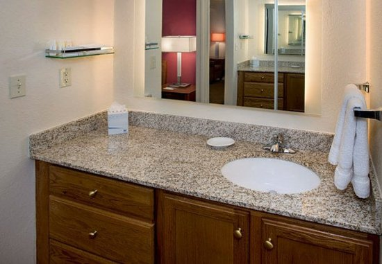 Andover, Μασαχουσέτη: Suite Bathroom