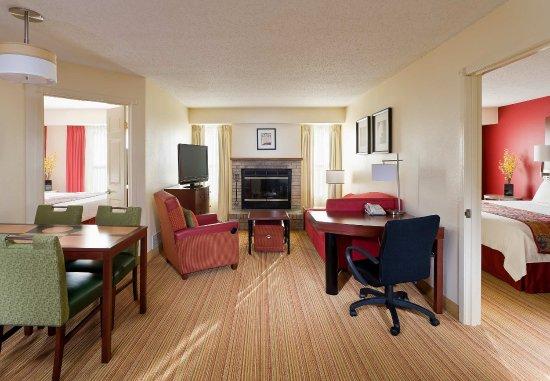 Peoria, IL: Two-Bedroom Suite
