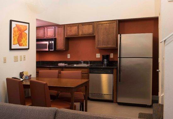 Spartanburg, SC: Suite Kitchen
