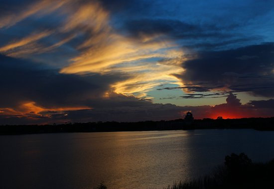 Sebring, FL: Suite   Little Lake Jackson View