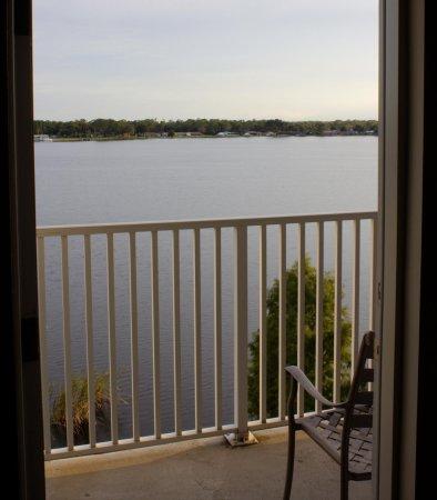 Sebring, FL: Lakeview Suite Balcony